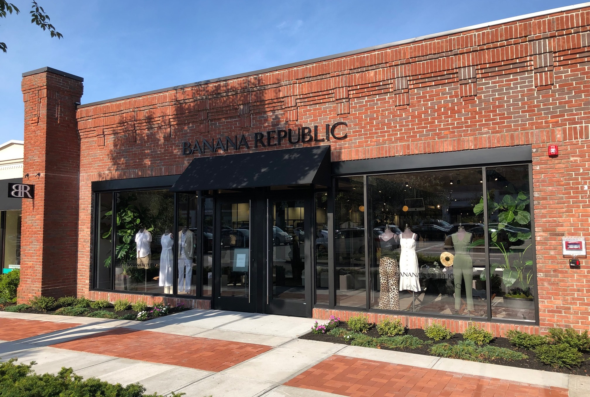 Banana Republic - Garden City Center